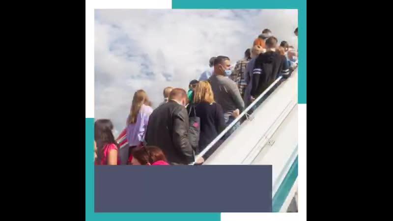 На 2 миллиарда рублей увеличат субсидии авиакомпаниям чтобы они могл иь больше льготных билетов пенсионерам инвалидам и школ