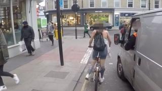 Водитель Пристает к Велосипедистке. Такой Реакции он Точно не Ожидал!
