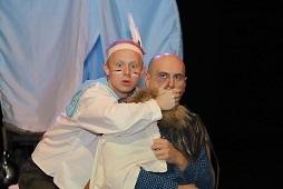 Столичные актеры покажут два спектакля на сцене липецкой драмы