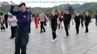 Old man 70 years old, practicing dance! The jump doesn't matter, happiness is the first choice