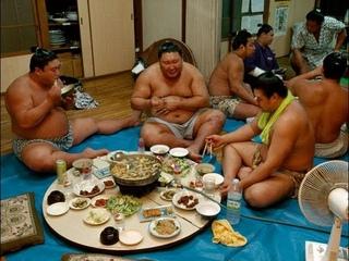 Как питаются борцы сумо.