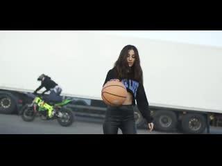 Kristina Si - Из-за тебя (премьера клипа, 2020) кристина си (новый клип)