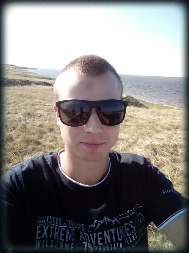 алексей азаров биография фото следят