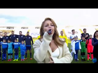 Гимн Украины в исполнении Тины Кароль.