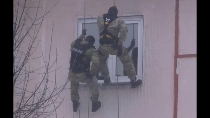 РАБОТАЕТ СПЕЦНАЗ ГРОМ задержание наркосбытчиков оперативная съёмка