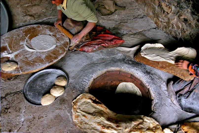 Тандыр: дитя древнейших времен. Кто его придумал, и почему он до сих пор не вымер?