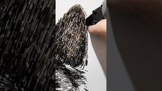 Художник Слава Зайцев - рисунок собаки из тысяч мебельных скоб  #Shorts