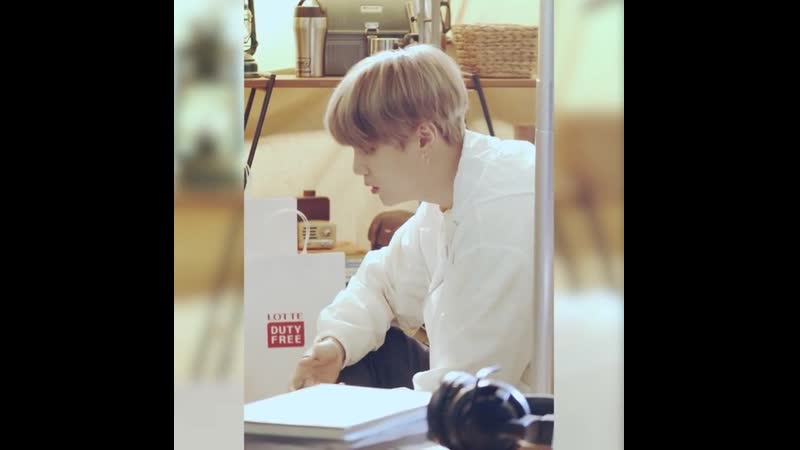 EVENT LDF with BTS Making Film WewantaDutyFreelife	⠀	The second making film is about	SUGA who has no exit of charm ⠀	Choose