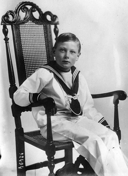 Спрятать или просто любить: Что делали с «особенными» детьми в семьях президентов и монархов