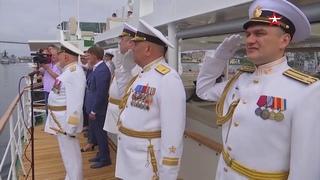 Морской парад в честь Дня ВМФ состоялся во Владивостоке
