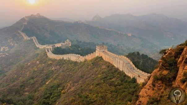 Великая Китайская Стена Когда-то граница между миром добра и зла, сегодня это самая многолюдная достопримечательность и символ былой мощи объединенной Китайской Империи. Мы собрали несколько