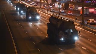«С-400», «Тайфун» и Т-34: военная техника прибыла в Москву для Парада Победы