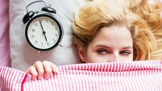 Как люди просыпались во времена, когда не было будильников