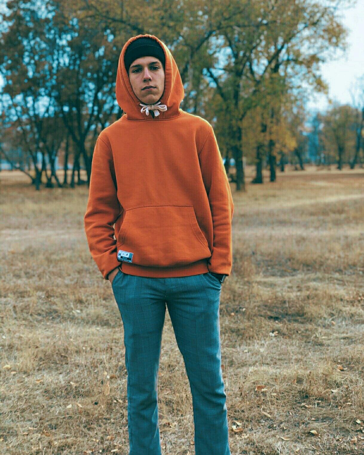 Георгий, 18, Engel's