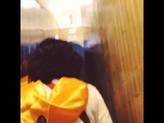 Ватикан Часть 4 Восхождение видео В общем оказывается на собор Св Петра можно подняться Прямо в самый купол Стоит это 5€ пешком и 7€ на лифте Второй раз не разведете подумал я после истории с индусом и взял билет за 5€ Как потом выяснилось это было роковой ошибкой смотреть на лестнице нечего более того плитка которой она отделана больше напоминает советские туалеты а подзадолбался я прилично Самая последняя винтовая лестница настолько узкая что там не хватило места даже на перила там висит канат Но знаете вид на Рим который я увидел стоит ВСЕХ усилий Это вид ради которого стоит не только лезть но и впринципе ехать в Рим P s я там снял офигеннейшую панораму К сожалению Instagram поддерживает только квадраты Поэтому если хотите увидеть смотрите в ВК ссылка в инфо или в твиттере ник akolesnikov