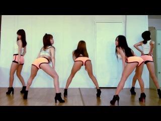 Латинка сексуально танцует конечно, догадывался