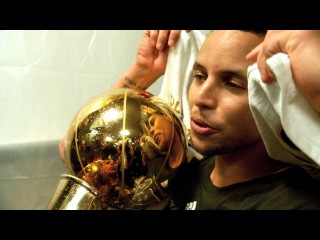 NBA Finals Phantom Raw: Stephen Curry Holds Trophy