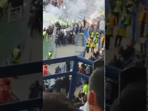 Фанаты устроили беспорядке на стадионе Металлист в Харькове