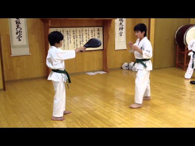 極真空手 千葉道場 少年部上級クラス・後ろ回し蹴り!