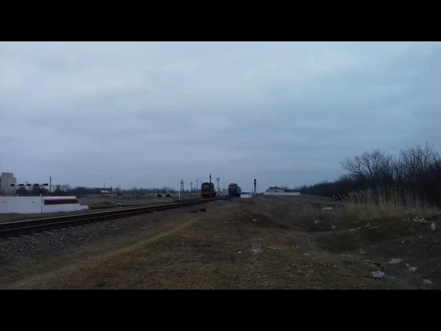ТЭП70-0110 С поездом 608 сообщением Запорожье-пологи-Бердянск. Отправляется со ст.-Берда.и приветливая бригада.