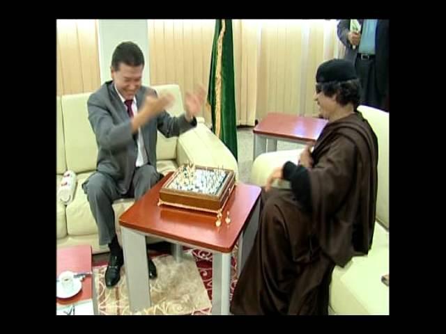 Kaddafi and Ilyumzhinov. Каддафи встретился с Илюмжиновым