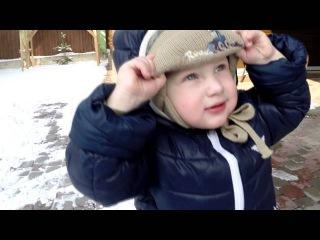 ВЛОГ на канале Ева ТВ чистим двор от снега во дворе.