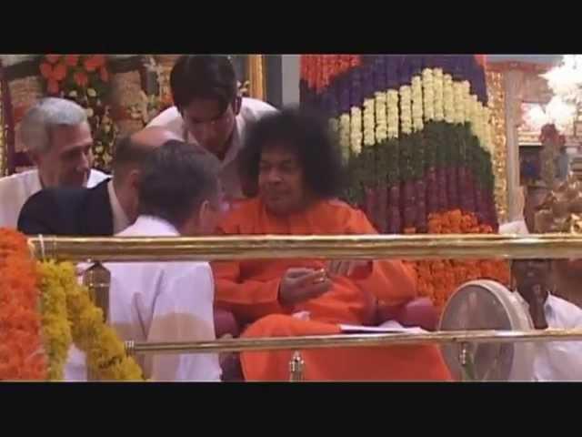 Materializacia lingama Podmoskovnie vechera Kalinka Prashanti Nilayam Ashram