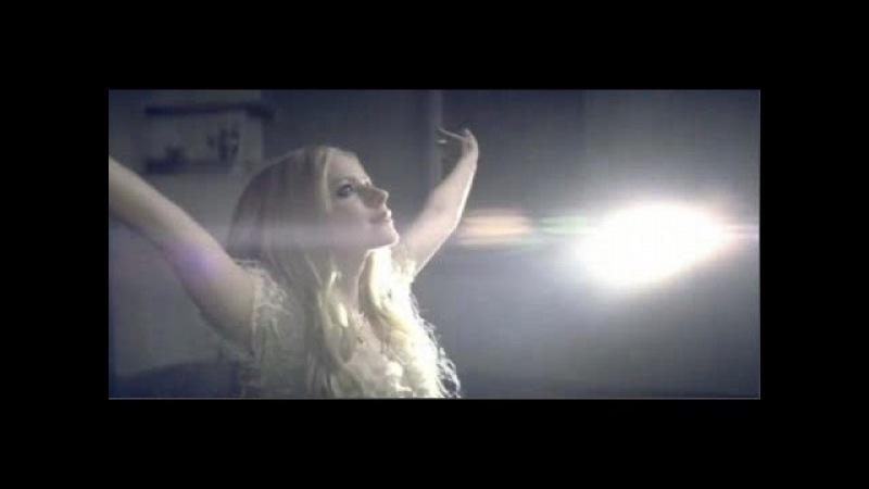 Avril Lavigne Keep Holding On Music Video