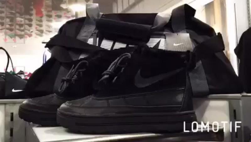 Женские зимние ботинки Nike