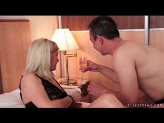 Granny in black lace lingerie seduced and fingered granny porn