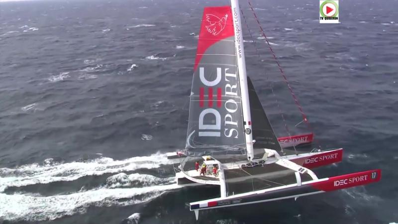 AURAY Bretagne Télé Le Trimaran Idec Sport vu du ciel