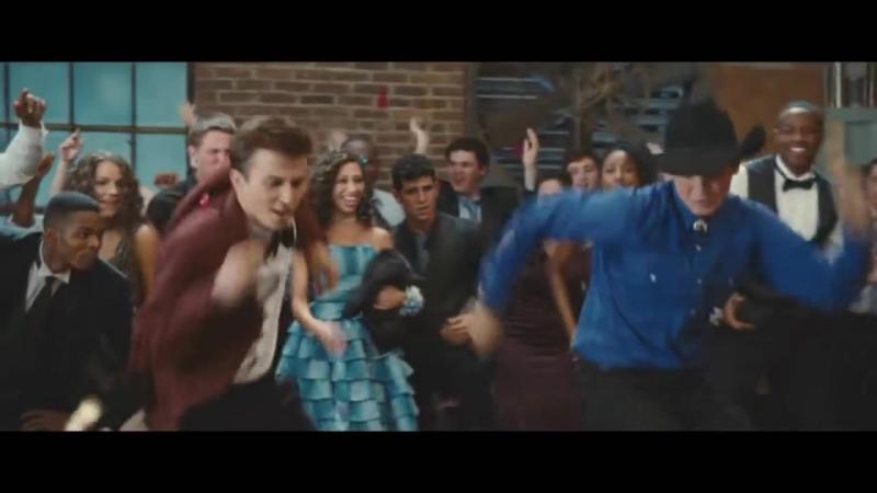 Давайте вспомним как наш красавчик Майлз танцует в фильме Свободные Footloose 2011 Final Dance Scene