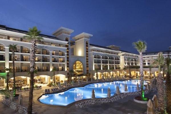 Отели Турции с подогреваемыми открытыми бассейнами, изображение №2