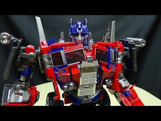 Wei Jiang COMMANDER (KO Oversized Evasion Mode Optimus Prime): EmGo's Transformers Reviews N' Stuff
