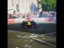 F1LiveLondon RB7 danielricciardo doughnutturn Лондон 14 07 2017