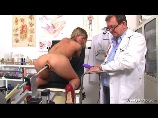 Freaky Doctor - Claudia Mac (24 years girls gyno exam) [Pussy Gaping, Gyno Exam, Natural Tits, Blonde, Fucking Machine]