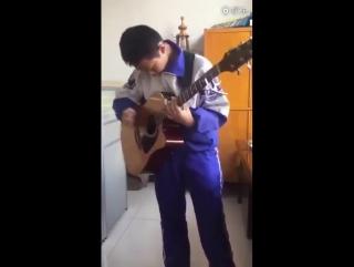 Впечатляющий кавер на Thunderstruck группы ACDC от 13-летнего китайского паренька