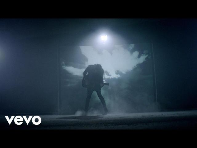 Barns Courtney - Glitter Gold (Official Video)