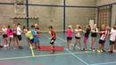 Groene spelen - dikke mat draaien - balanceren - duikelen en samenwerken