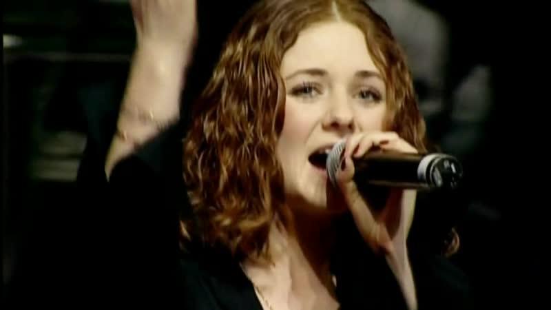 [T.A.T.U. — Nas Ne Dogonyat LIVE — 2006 Petersburg SKK