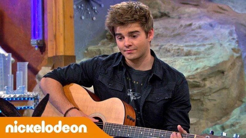 Грозная семейка Макс поёт доктору Колоссо 🎸 Nickelodeon Россия