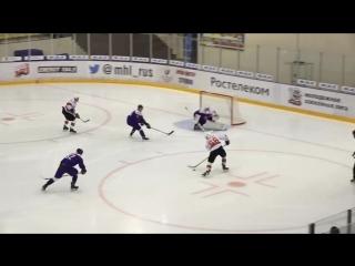 Егор Залитов и Евгений Бабушкин разрывают оборону соперника в меньшинстве