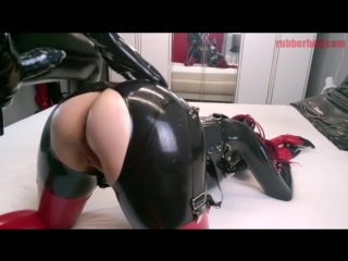 Русское домашнее секс-видео full hd (18+) / full rubber mistress gets worshiped and than hard fucked by her latex slave