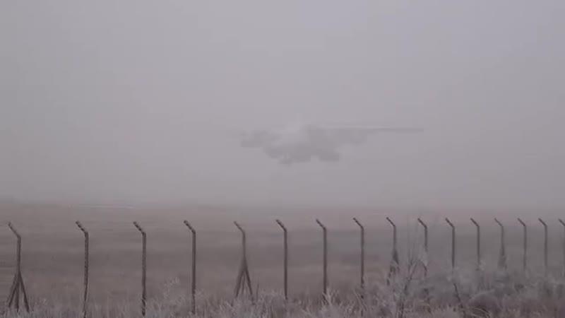 Самолет Ил-76 в молоке (аэропорт Пьештяни PZYLZPP)