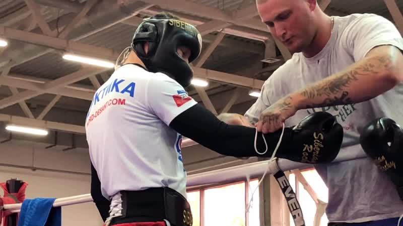 Два чемпиона встретились на ринге в фитнес клубе Ратиборец Руслан Проводников и Михаил Кокляев