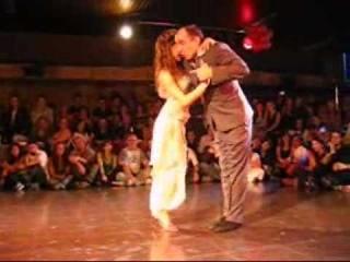 Horacio Godoy y Cecilia García en La Viruta (sin desfasaje!)