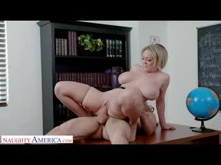 Очкарик трахнул сочную зрелую учительницу после уроков, milf busty sex teacher woman mom porn mature boy ass tit (hot&horny)