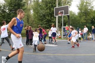 Открытие уличной баскетбольной площадки на Воронежских озерах