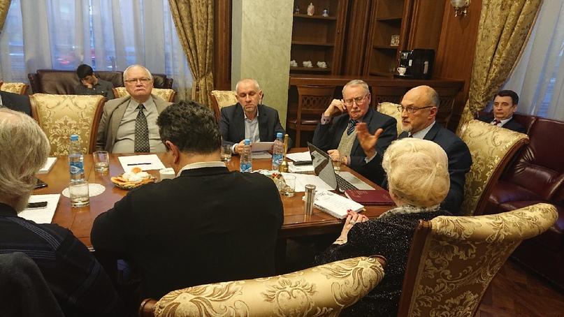 Совмещённое заседание профессорского клуба и конституционного клуба, изображение №3