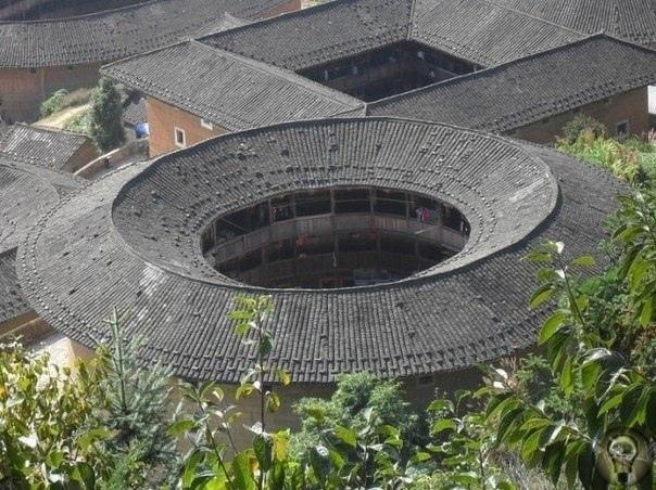 Старинный замок тулоу в провинции Фуцзянь